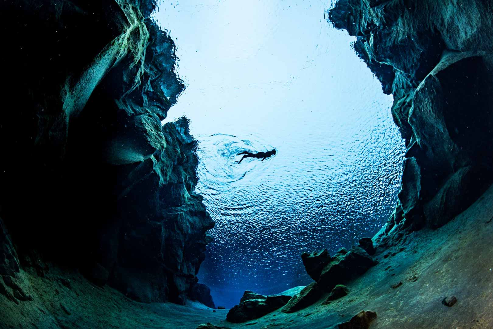 Silfra Snorkelling Tour in Iceland