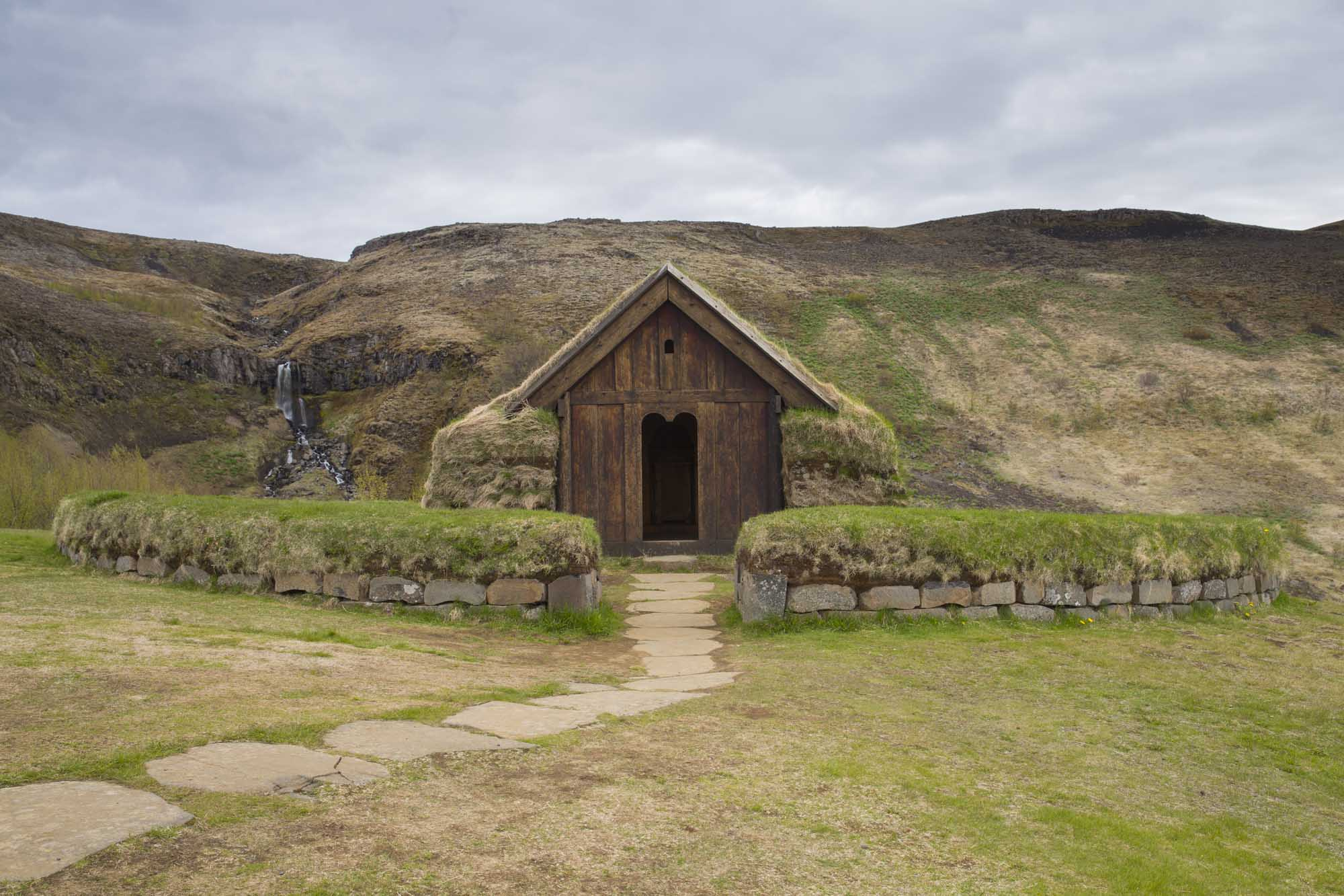 Viking house Stong - Game Of Thrones Private tour